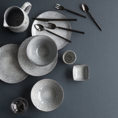 Broste Copenhagen Vaisselle Nordic Sand et Sea Design Set, Deco Design, Bialetti, Cappuccino Tassen, Table Setting Inspiration, Broste Copenhagen, Good For Her, Snack Bowls, Square Plates