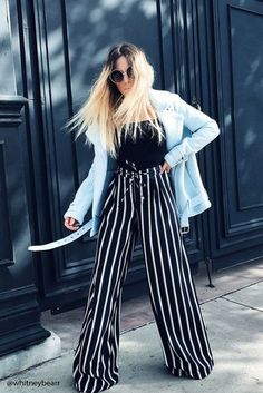 Looking for comfy chic style? The striped palazzo pants are rocking this season and they are gaining a big popularity. Palazzo pants was trending the previous Leggings Mode, Leggings Fashion, Fashion Pants, Fashion Outfits, Womens Fashion, Fashion Trends, Stripped Pants, Casual Outfits, Cute Outfits