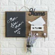 Trendy Farmhouse Command Center for Your House to Organize Your Keys, Notes, and To Dos darbysmart diy diyprojects diyideas artsandcrafts organization farmhousedecor walldecor homedecor 795800196641046869 Wine Bottle Crafts, Mason Jar Crafts, Mason Jar Diy, Diy Hanging Shelves, Diy Wall Shelves, Diy Home Decor Projects, Diy Projects To Try, Do It Yourself Projects, Crafty Projects