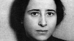 """Hannah Arendt Doku von Arte<p>Hannah Arendt ist eine der einflussreichsten politischen Denkerinnen des 20. Jahrhunderts. Doch was sagt ihr Werk jungen Leuten von heute, einer Generation, die sich jenseits nationaler oder kontinentaler Beschränkungen bewegt, und die Partei ergreift für ein """"Denken ohne Geländer"""" (Hannah Arendt) der Systeme, Ideologien und Wunschvorstellungen?</p>"""