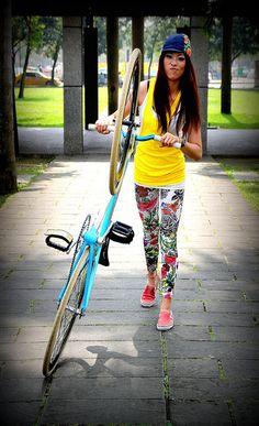 FIXED GEAR GIRL TAIWAN ; )