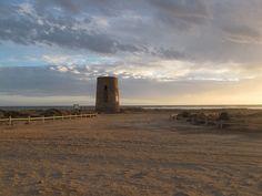 La Torre de García o Torre de Torregarcía se encuentra en la playa de Torregarcía, cerca de Retamar, en el término municipal de Almería. http://almeriapedia.wikanda.es/wiki/Torre_de_Torregarc%C3%ADa