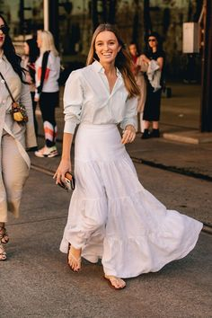 The best street style from sydney fashion week the best street style looks from paris fashion week spring 2020 Street Style Summer, Street Style Looks, Summer Chic, City Outfits, Fashion Outfits, Fashion Clothes, Sneakers Fashion, Spring Fashion, Fashion Show