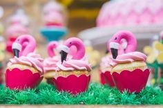 Decoração de festa Infantil com tema Flamingo (Cupcake Flamingo)  Fotografia Infantil RJ: Danny Alves Fotografia