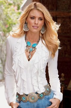 I am totally diggin' this look! Love the ruffley blouse with the turquoise! Cowgirl Chic, Cowgirl Style, Western Style, Cowgirl Tuff, Gypsy Cowgirl, Cowgirl Bling, Country Style, Style Casual, Style Me