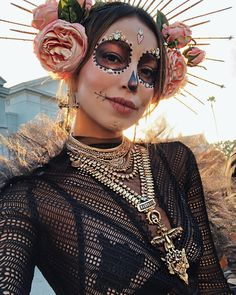 Halloween Makeup halloween makeup for dark skin Halloween Inspo, Halloween 2019, Cute Halloween, Halloween Outfits, Halloween Costumes, Halloween Make Up Ideas, Halloween Parties, Halloween Night, Halloween Makeup Sugar Skull