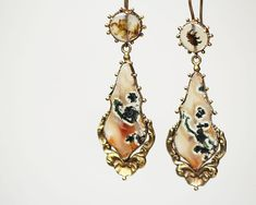 Georgian Agate Repousse Earrings #bellandbirdSOLD #justfound #onlinenow