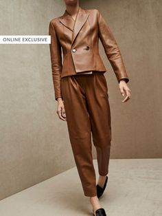 Fall Winter 2017 Women´s LIMITED EDITION SLIM FIT NAPPA TROUSERS at Massimo Dutti for 3795. Effortless elegance!