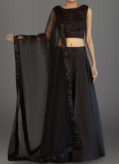 Indian Gowns Dresses, Indian Fashion Dresses, Indian Designer Outfits, Lehnga Dress, Lehenga Choli, Cape Lehenga, Sarees, Stylish Dress Designs, Stylish Dresses