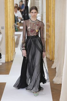 The best runway looks from Schiaparelli's Couture Week Fall 2017.