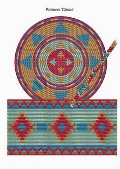Drawn In Bags Tapestry Crochet for Stylish Mochila Bag Crochet Pattern Free Images Crochet Diy, Bag Crochet, Crochet Handbags, Crochet Purses, Crochet Chart, Crochet Motif, Crochet Gratis, Filet Crochet, Tapestry Crochet Patterns