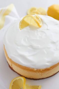 Instant Pot White Chocolate Lemon Cheesecake is rich, bright and creamy with a surprise filling! White Chocolate Cheesecake, Lemon Cheesecake, Cheesecake Bars, Instapot Cheesecake, Instant Pot Pressure Cooker, Pressure Cooker Recipes, Pressure Cooking, Slow Cooker, Lemon Yogurt