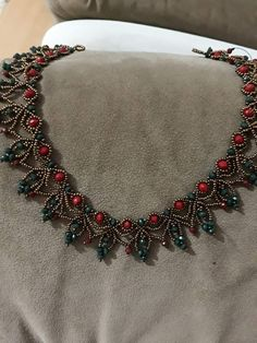 Best 11 This Pin was discovered by Buk – SkillOfKing. Bead Jewellery, Seed Bead Jewelry, Diy Jewelry, Beaded Jewelry, Handmade Jewelry, Jewelry Design, Jewelry Making, Beaded Bracelets, Beaded Necklace Patterns