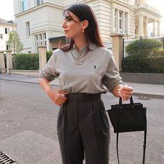 Burcu - addicted to beige (@gigirella_) • Photos et vidéos Instagram Boyish Style, Beige, Pants, Instagram, Fashion, Trouser Pants, Moda, La Mode, Women's Pants