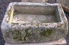 to Make a Hypertufa Bird Bath Hypertufa bird bath DIY. (Make thicker than plant pots and coat with melted paraffin to hold water)Hypertufa bird bath DIY. (Make thicker than plant pots and coat with melted paraffin to hold water) Diy Bird Bath, Bird Bath Garden, Diy Garden, Garden Projects, Garden Art, Garden Design, Bird Bath Planter, Gnome Garden, Garden Tips