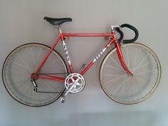 DIY Bike Holder Cuelga tu mismo la Bici en tu salón.
