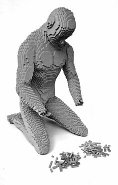 Hands — Nathan Sawaya — The Art of the Brick