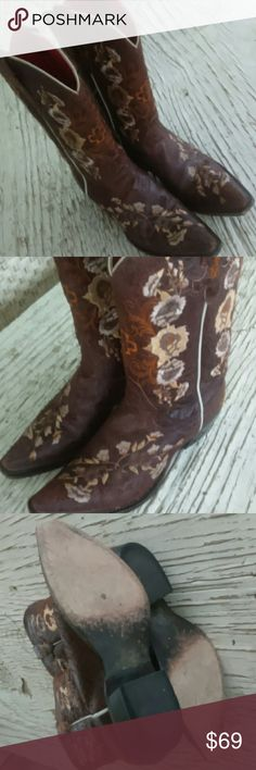 Cowgirl Boots size 8 Gently Used. Gorgeous embroidered details adorn these sexy cowgirl boots. Brand: Old West Crackled Leather for a distressed look. Snip toe Leather upper Leather soles Inside lining red.  Since I bruised/ broke my toe... I unfortunately can not wear cowgirl boots anymore.  ?? they need a new home. Can ship with original box. Old West Shoes Heeled Boots