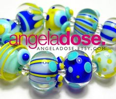 Sunberries! these are available, message me if you're interested! SOLD, thank you!! #angeladosedesign #handmadebeads #lampwork #studiolife #lampworkbeads #upforgrabs
