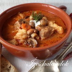 Betyár Leves - Hungarian Rascal Soup with Pork and Vegetables! Hungarian Cuisine, Hungarian Recipes, Turkish Recipes, Ethnic Recipes, Hungarian Food, My Recipes, Soup Recipes, Cooking Recipes, Favorite Recipes