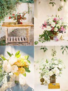 Arreglos florales para una boda rural.