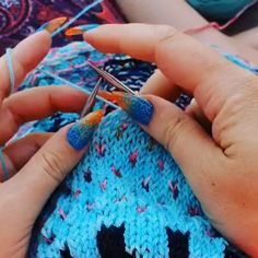 Best Picture For crochet coasters For Your Taste You are looking for something, and it is going to tell you exactly what. Knitting Paterns, Knitting Videos, Easy Knitting, Knitting Designs, Crochet Stitches, Start Knitting, Yarn Projects, Knitting Projects, Knitting Tutorials