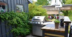 Build Outdoor Kitchen, Outdoor Kitchen Countertops, Outdoor Kitchen Design, Hardwood Countertops, Outdoor Kitchens, Outdoor Spaces, Outdoor Living, Outdoor Decor, Outdoor Retreat