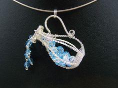 Zodiac pendants. I really like the aquarius one, it's elegant. No big fan of my own sign - sagittarius - though.