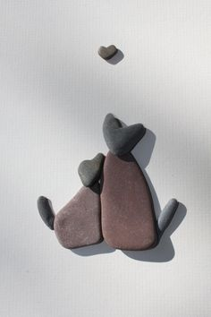 Pebble art inspo by Sharon Nowlan.