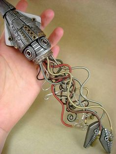 """""""mechanical squid"""" steampunk clay sculpture - would be great if were an octopus! Chat Steampunk, Moda Steampunk, Style Steampunk, Steampunk Crafts, Steampunk Gadgets, Steampunk Design, Steampunk Costume, Steampunk Clothing, Steampunk Fashion"""