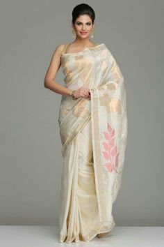 Ivory Uppada Silk Saree With Bold Dull Gold Silver Zari Floral Motifs, And Peacock Motifs On The Pallu India Fashion, Ethnic Fashion, Asian Fashion, Latest Fashion, Indian Attire, Indian Ethnic Wear, Indian Style, Indian Sarees, Silk Sarees