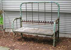 rusty old bed turned garden bench Iron Headboard, Headboard Benches, Headboard And Footboard, Metal Headboards, Daybed, Repurposed Furniture, Garden Furniture, Diy Furniture, Bed Frame Bench