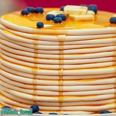 """36.4 mil curtidas, 144 comentários - Yolanda Gampp (@yolanda_gampp) no Instagram: """"There's nothing like the smell of warm pancakes on a Sunday! 🥞 🥞 Now you can smell them ALL DAY,…"""""""