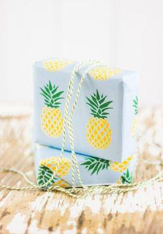 Fruchtiges Freebie: Ananas-Geschenkpapier zum Ausdrucken! {free printable} | titatoni ♥ | Bloglovin'
