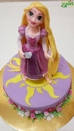 Disney Tangled, Disney Princess, Rapunzel Cake, Aurora Sleeping Beauty, Sweets, Magic, Disney Characters, Gummi Candy, Candy