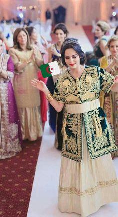 Hashtag #اللباس_التقليدي_الجزائري sur Twitter Evening Dresses, Formal Dresses, Traditional Dresses, Girl Hairstyles, Dream Wedding, Fashion Dresses, Sari, Couture, Elegant