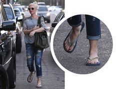 SPOTTED: Gwen Stefani rocking our Top Mix flip flops with her stylish yet casual look.