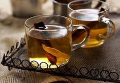 Nealkoholická verzia tradičného vareného vína ideálny pre deti aj rodičov.  RECEPT: http://ikuchar.sk/recept/vareny-jablkovy-dzus/