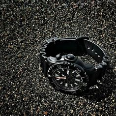 Ajuy is the most famous black sand beach in #Fuerteventura that was formed as a result of erosion of the volcanic rock and it is a fantastic scenery for our KOMMANDO DIVER.  www.chrisbenz.de  #chrisbenzwatches #chrisbenz #sharkproof #divewatch #oceanteam #worldwide #surfing #diving #kiting #sailing #snorkeling #watersports #islandstyle #beachday #lifeisbetteratthebeach #kommando #kommandodiver http://shop.chrisbenz.de/de/defense-kommando-diver/chris-benz-kommando-diver