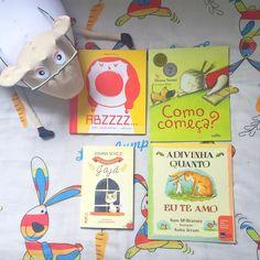 """4 livros pra hora de dormir  da Ed. Senai o livro """"Abzzzz"""" tem uma página pra cada letra do alfabeto com um estímulo para a criança dormir! Ilustrações lindas e super divertido!  da @calliseditora """"Como começa?"""" é um livro dos """"porquês"""" leve e fácil de ler dá uma bagagem pra criança sonhar!  da @editorarocco """"As aventuras de Jaja"""" é pra quem prefere um livro que dure várias noites 5 páginas por noite e as crianças se divertem muito com a história da vida da gatinha  e por ultimo um clássico…"""