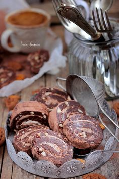 Roll biscuit with chocolate cream - detail Sweets Recipes, Easy Desserts, Cake Recipes, Cooking Recipes, My Favorite Food, Favorite Recipes, Food Art For Kids, Romanian Food, Romanian Recipes