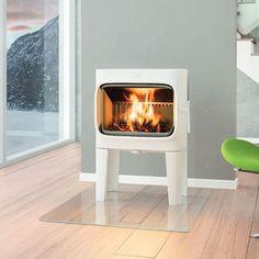 Jøtul F 305 LL med stort brennkammer i moderne design - Ildstedet Foyers, Nordic Design, Modern Design, Modern Wood Burning Stoves, Wood Stoves, Snug Room, Stove Fireplace, Log Burner, Piece A Vivre