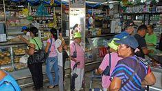 Presidente Maduro manifestó también su intención de abrir unas 10.000 panaderías artesanales en todo el país con la ayuda de los llamados Comités Locales de Abastecimiento y Producción (CLAP) -programa gubernamental para entregar alimentos en las casas a bajos precios- y de los consejos comunales.</p>
