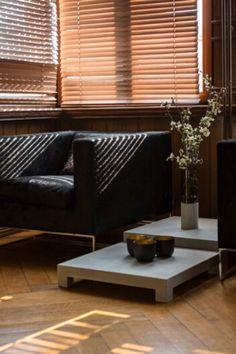 #Couchtisch aus #Beton in moderner Optik sorgt für ein echtes Highlight in Ihrem Wohnzimmer. Der Tisch kann als Einzelelement oder als Tischgruppe zum Einsatz kommen.  Abmessungen: 56 × 56 × 10 cm Blinds, Curtains, Design, Home Decor, Living Room, Colors, Jalousies, Blind, Interior Design