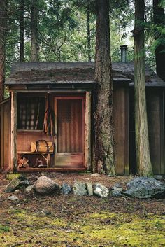 All Need is a Rustic Little Cabin in the Woods Photos) Imagine no more worrying about the commute, early starts or noisy neighbors.These remote cabins would be the perfect hideaway for those who just want . Little Cabin, Little Houses, Cabin Homes, Log Homes, Up House, Tiny House, Memorial Day, Interior Flat, Diy Interior