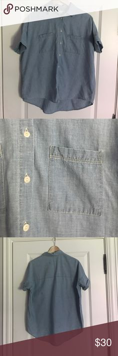 Madewell Chambray Courier Shirt in Buckley Wash Slightly oversized Chambray shirt. Slightly boxy. Material is very comfy. Cotton. Really cute with skirts. Good for an edgy look. Only worn a few times. Size XS. Madewell Tops