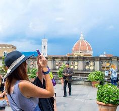 How to document your study abroad adventure.