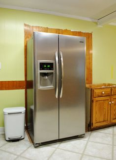Refrigerator cabinet - How To Build In Your Fridge With A Cabinet On Top – Refrigerator cabinet Cabinets To Ceiling, Cabinets To Go, Staining Cabinets, Diy Kitchen Cabinets, Kitchen Appliances, Kitchens, Kitchen Pantry, Kitchen Dinning Room, Basement Kitchen