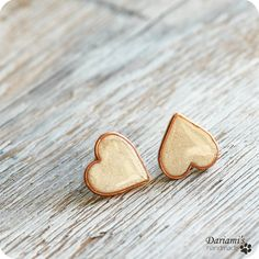 Post earrings  Pearly White Hearts by Dariami on Etsy, $18.00