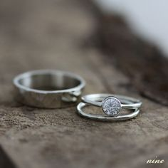 Simple White Gold Wedding Set - all I would need. Wedding Rings Sets His And Hers, Handmade Wedding Rings, Wedding Rings Simple, White Gold Wedding Rings, Diamond Wedding Rings, Wedding Sets, Wedding Jewelry, Trendy Wedding, Simple Rings